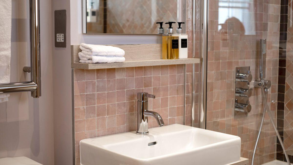 kah_Bathroom_pnk_02