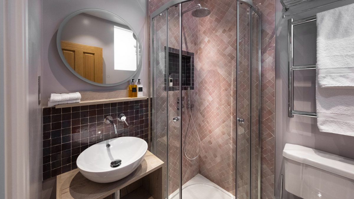 kah_Bathroom_pnk_01