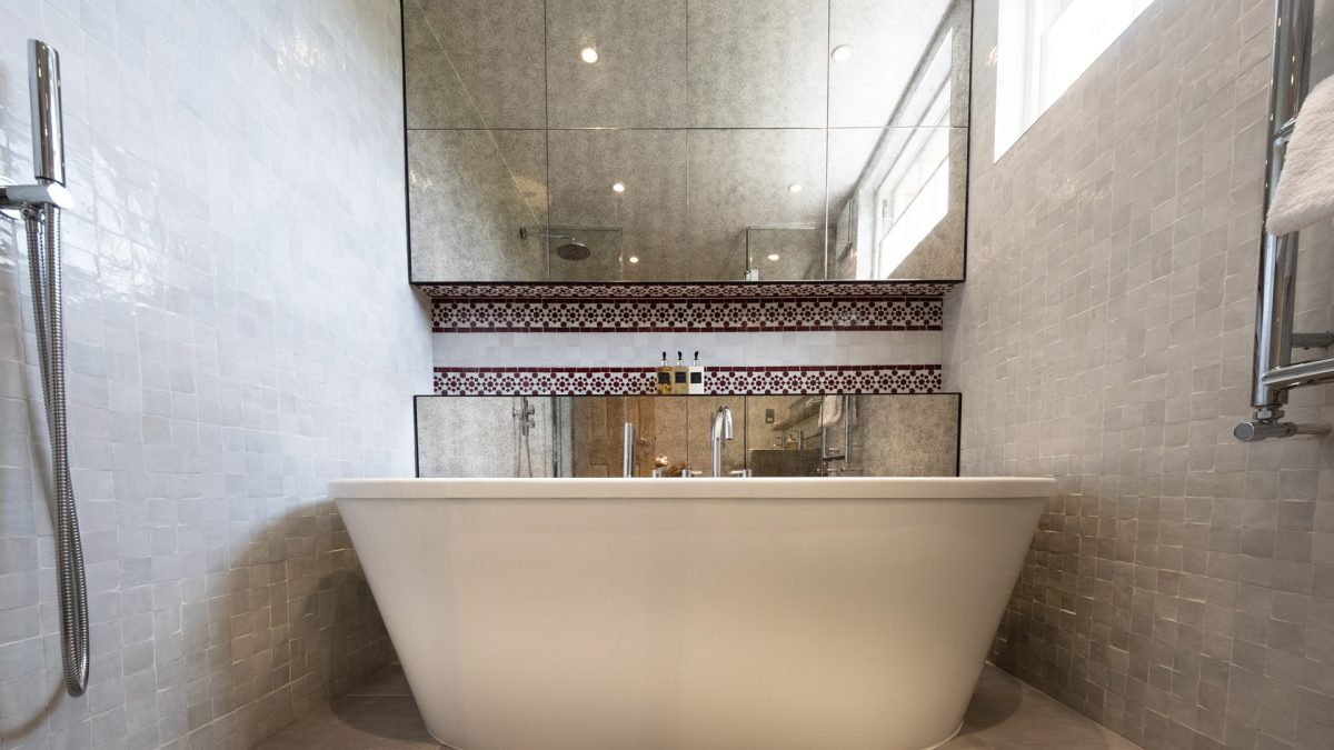 kah_master_bathroom_01
