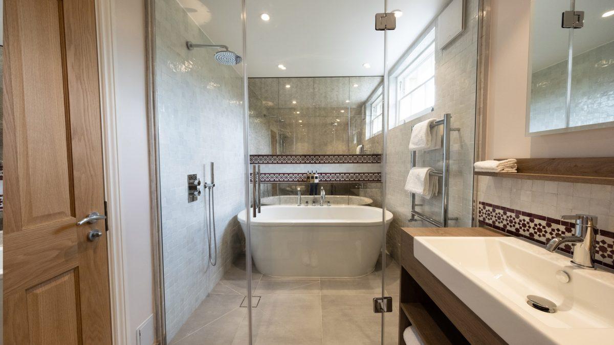 kah_master_bathroom_03